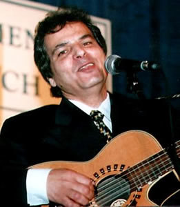 Yoel Sharabi in concert